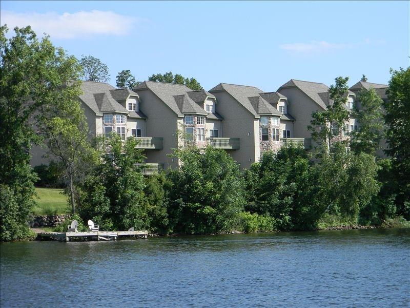 Red Cedar Lake Vacation Rentals